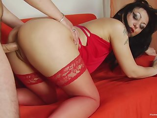Deep pussy fun on a hot MILF's generous assets