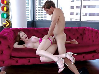 Jessa Rose meets a fellow who can give her what she wants