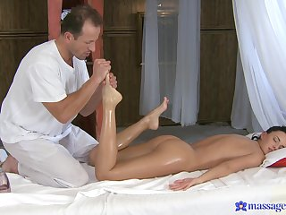 'tec Gina Devine lends her body to a kinky masseur's pleasure