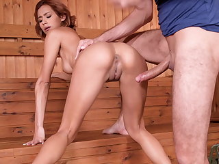 Veronica leal - squirting in the sauna