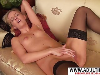 Mature lady Skye Taylor solo video