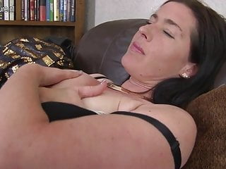 UK mature mom with saggy tits and hairy cunt
