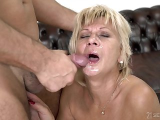 Short haired mature granny Diane Sheperd rides and blows a younger guy