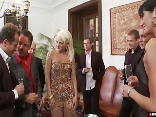 Hardcore porn star orgy with Sarah Twain and Stacy Silver swallowing cum