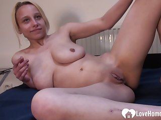 Blond Hair Girl handsomeness puts on a solely masturbating show