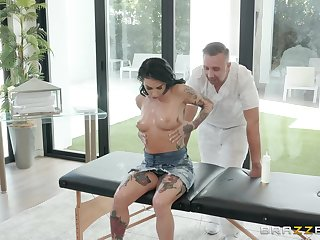 Joanna Benefactor loves for everyone alternate sex poses with her horny masseur