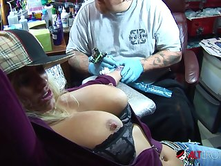Shyla Stylez gets tattooed while go-go