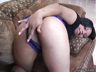 Kim Pleasures' pretty face covered in semen by a horny lover