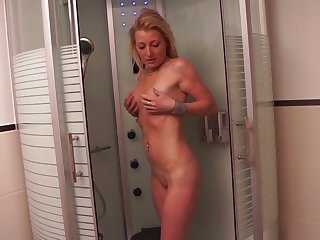 Naughty natural kirmess slut takes a chance surrounding masturbate in the shower