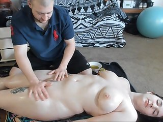Busty Teen With Big Ass Gets Sexy Nobble Massage