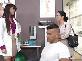 Sexy doctor Mercedes Carrera sucks a dick of her turns out that and gets fucked
