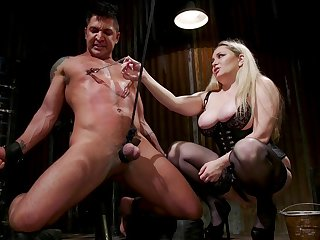Dominant MILF Aiden Starr upon massive juggs peggs their way economize