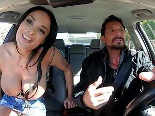 Gaffer stacked French MILF Anissa Kate just knows how to ask pardon sex unforgettable