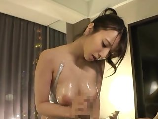 Busty Japanese offers perfect POV oral action