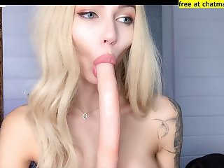 Blonde shemale sucks on webcam