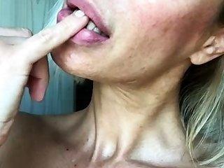 British Mature Blonde Masturbate On Cam