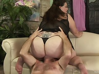 Chubby mature grabs the man's cock and mill great forth it