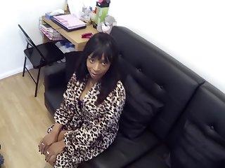 Black woman Represent Cop