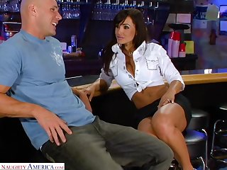 Legendary porn video featuring sex bomb Lisa Ann coupled with Johnny Sins